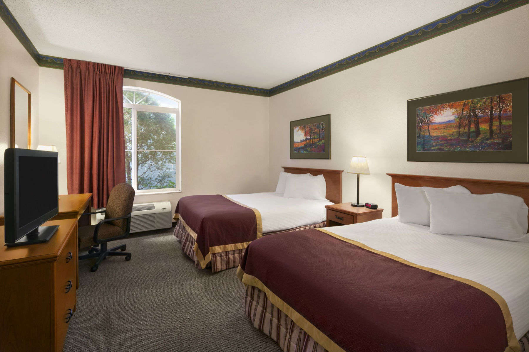 Baymont Inn Suites Dekalb