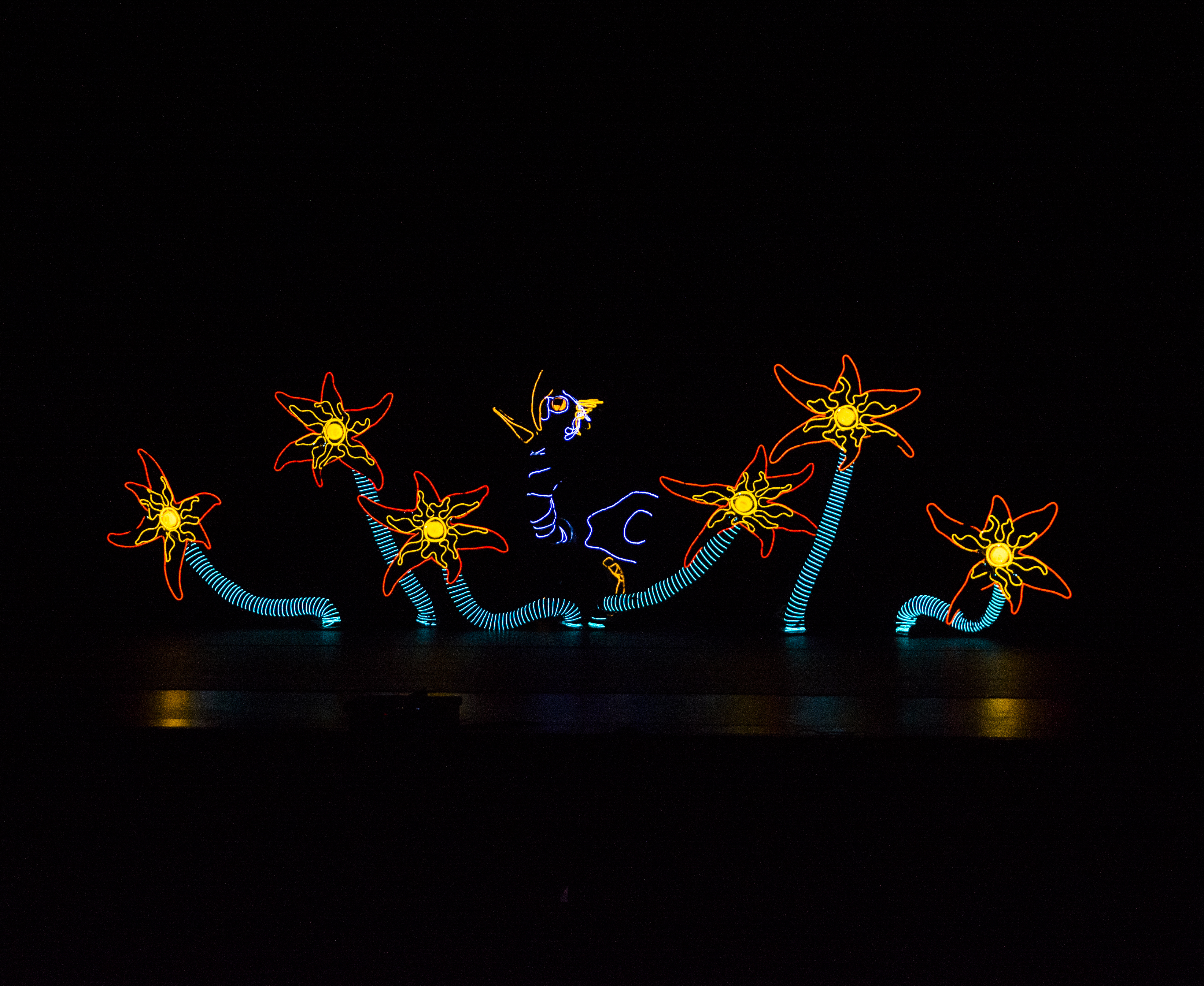 A Very Electric Christmas.Lightwire Theater A Very Electric Christmas Enjoy Illinois
