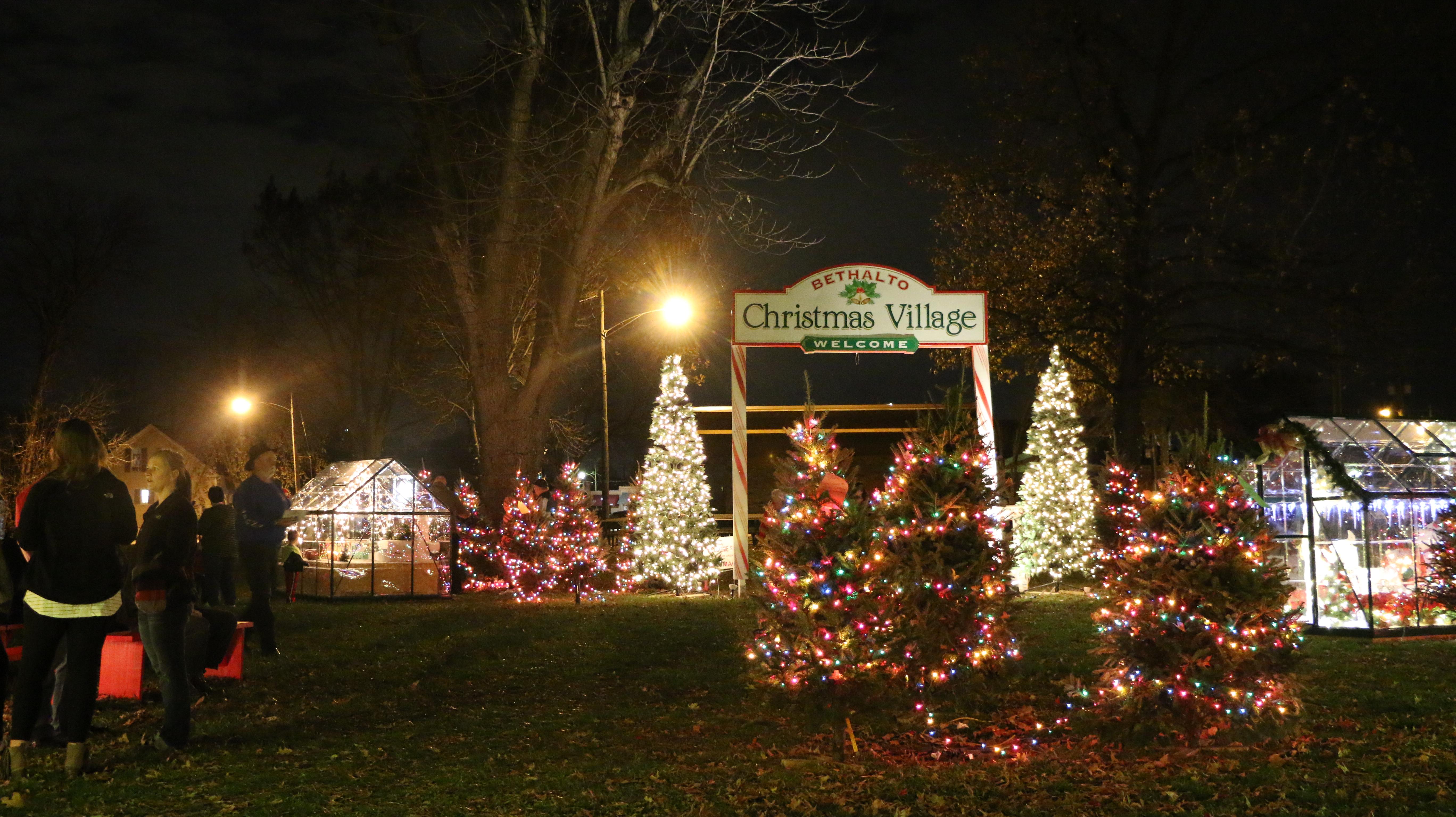 Christmas Villages.Bethalto Christmas Village Enjoy Illinois