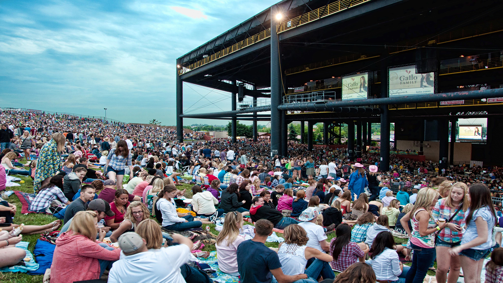 hollywood casino amphitheatre chicago