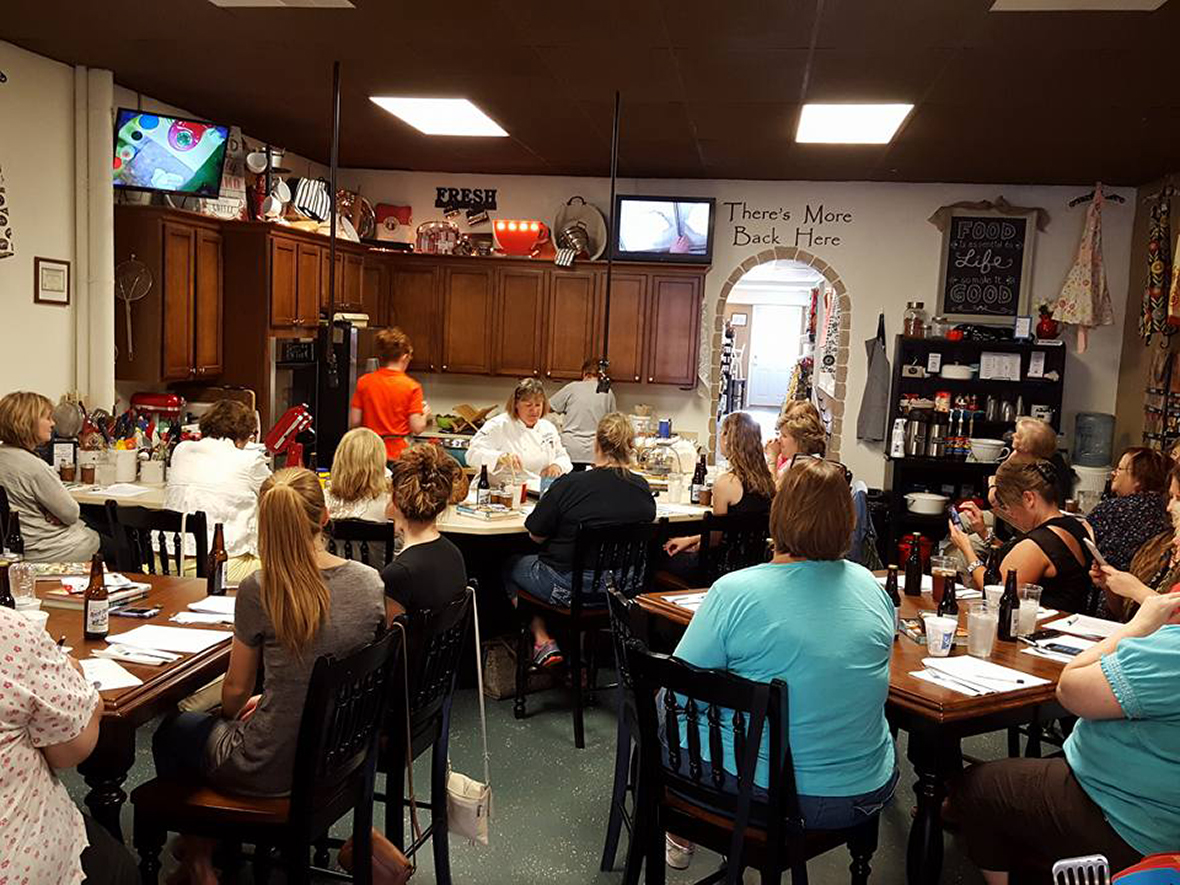 Lori S Kitchen Store Enjoy Illinois