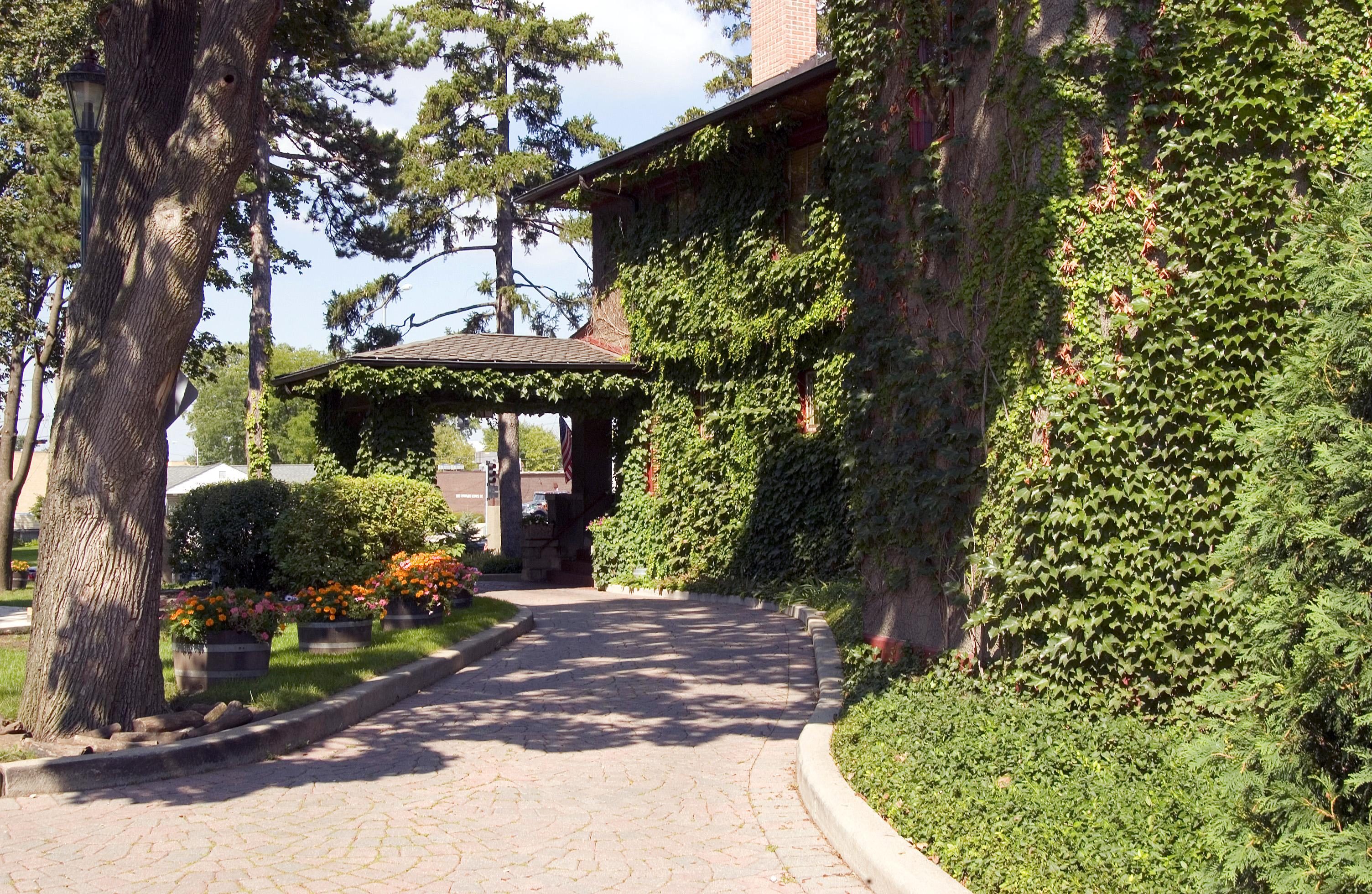 lynfred winery enjoy illinois
