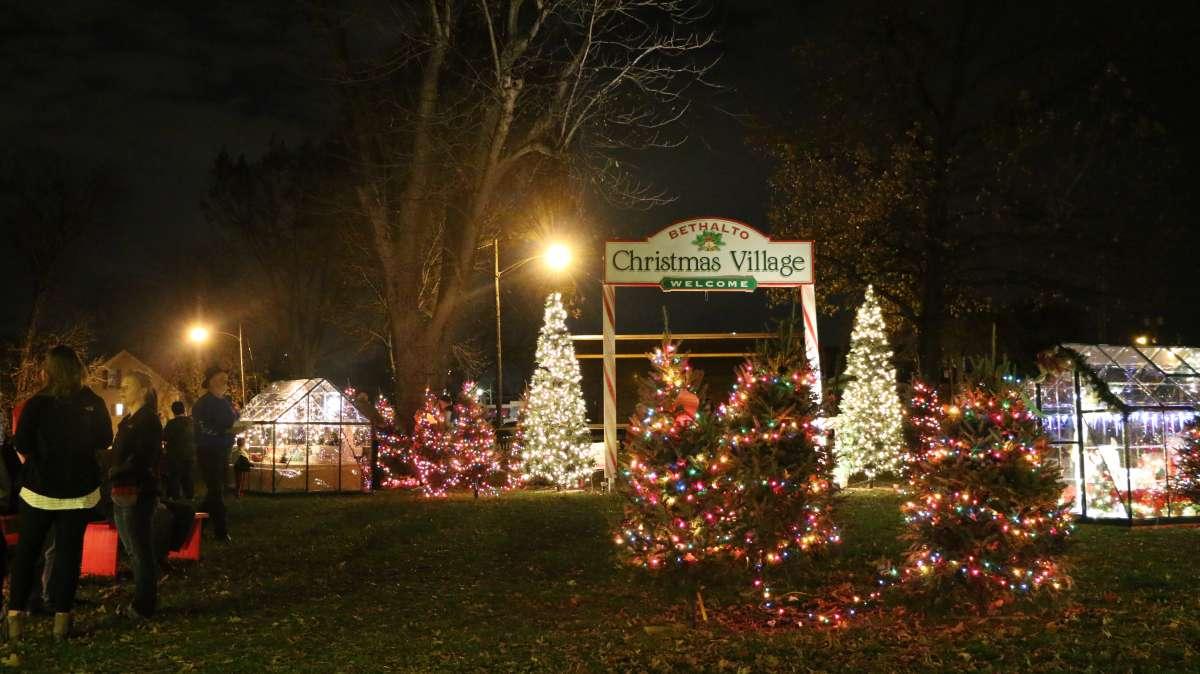 Bethalto Il Christmas Lights 2020 Bethalto Christmas Village | Enjoy Illinois