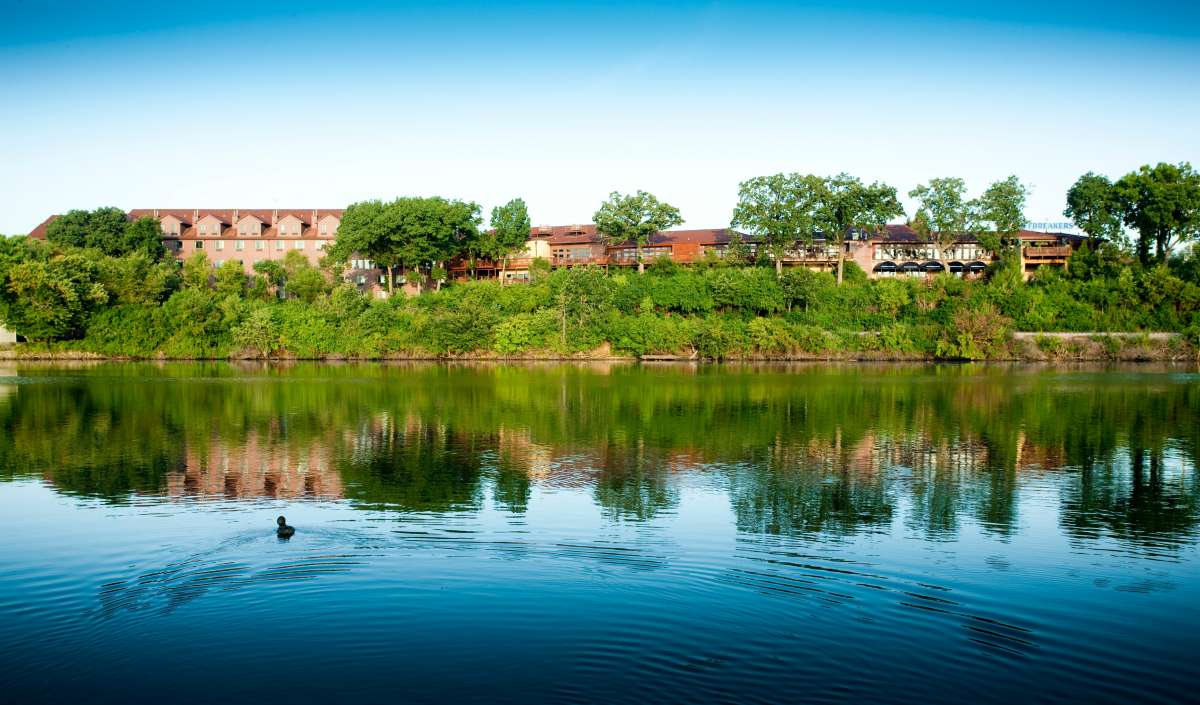 Cliffbreakers riverside hotel conference center enjoy - The wedding garden carbondale il ...