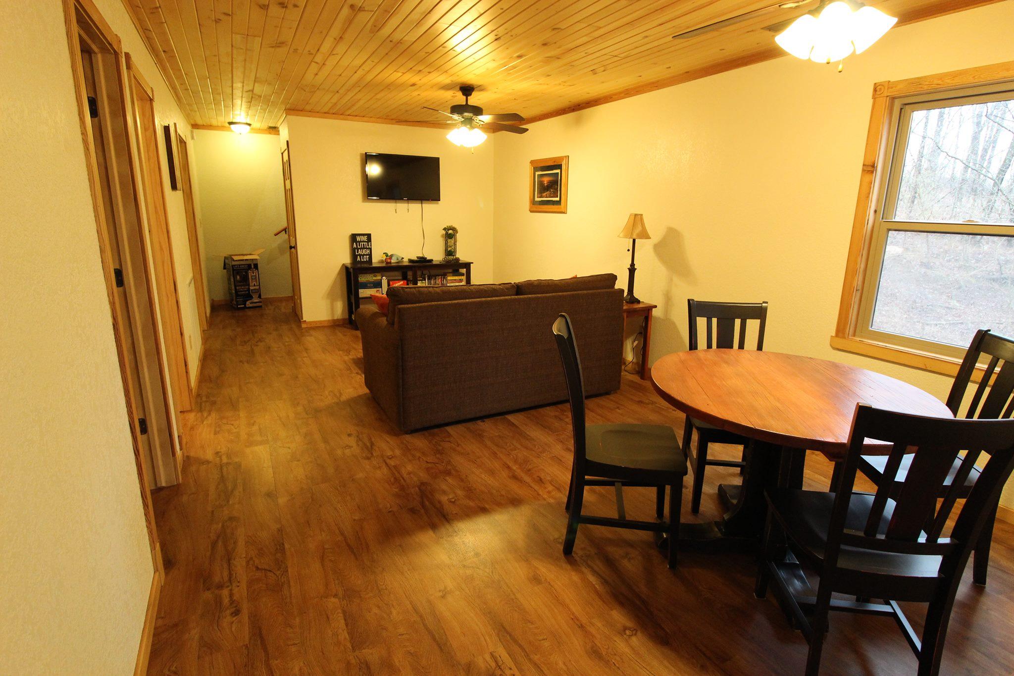 Cave Creek Cabins | Enjoy Illinois