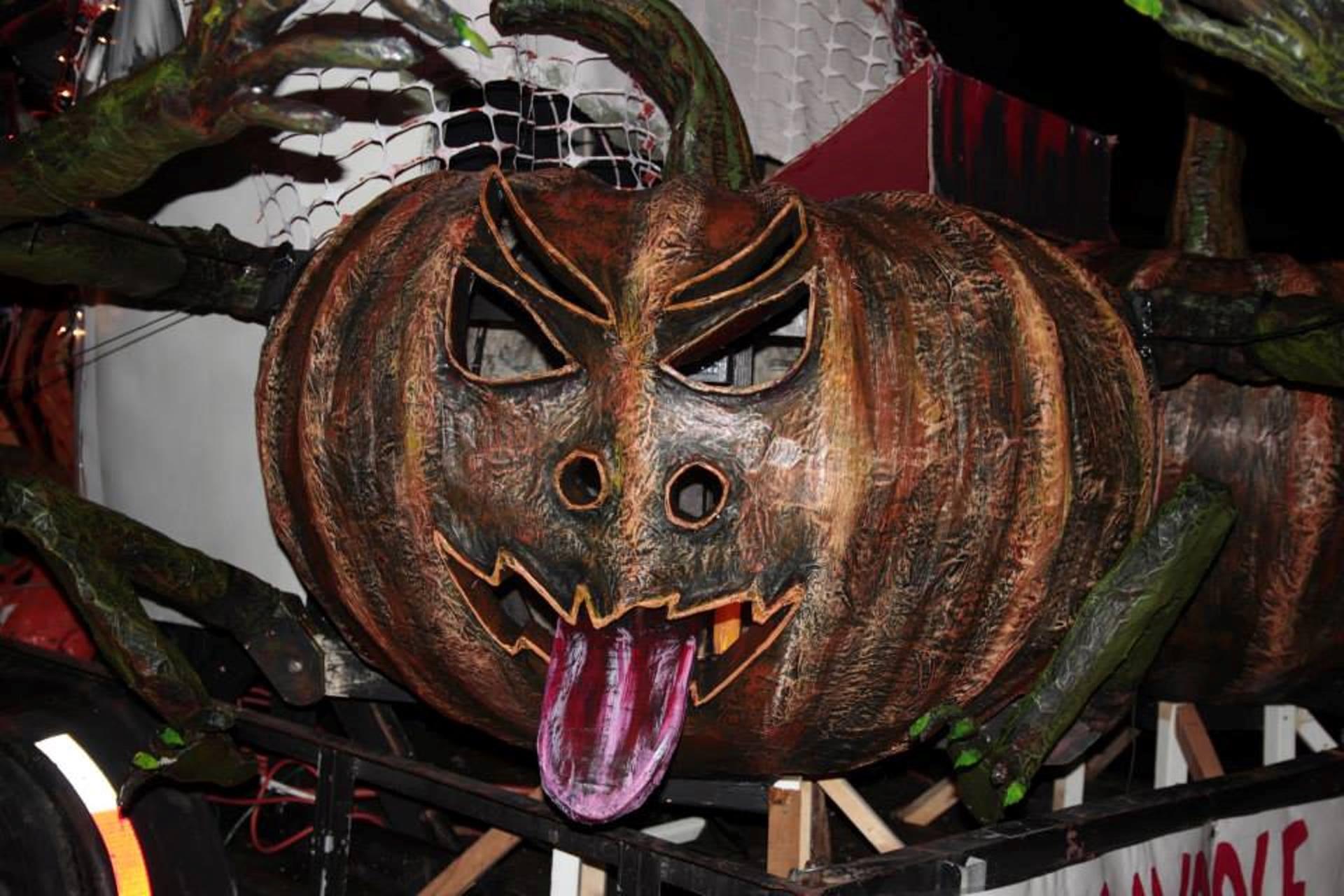 Alton Il Halloween Parade 2020 Alton's Halloween Parade   Enjoy Illinois