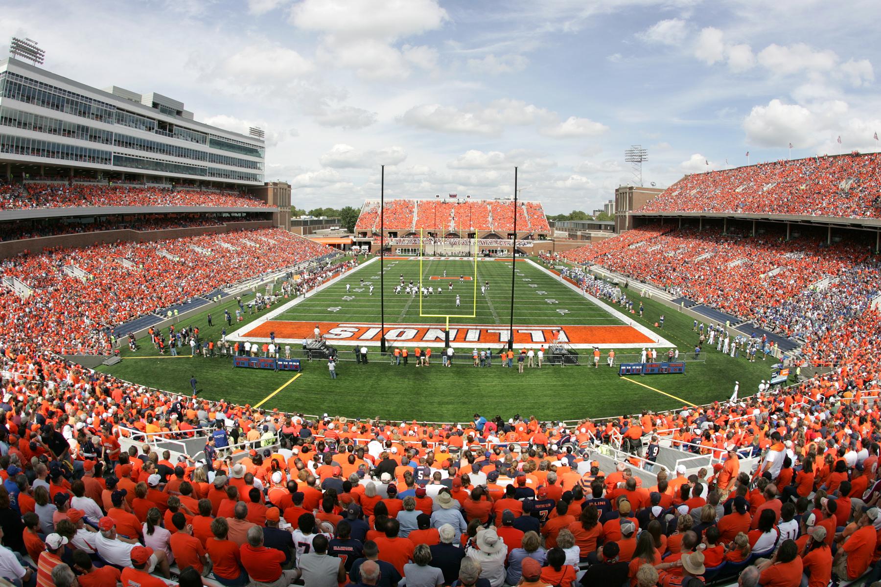 Memorial Stadium at the University of Illinois | Enjoy Illinois