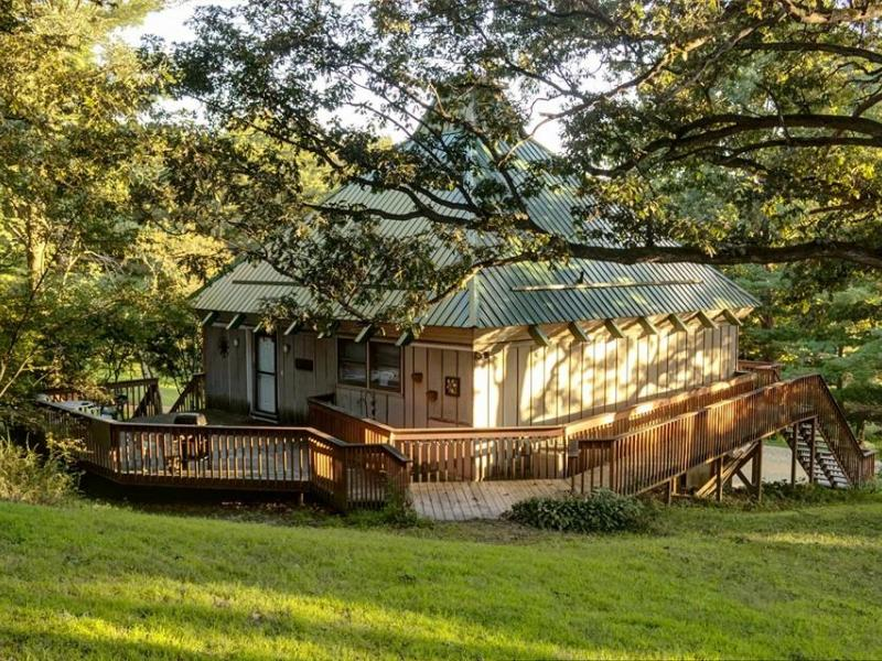 Lodges and Cabins in Illinois