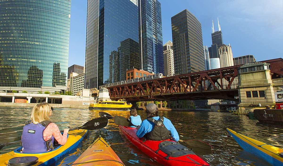 kayak rental chicago suburbs
