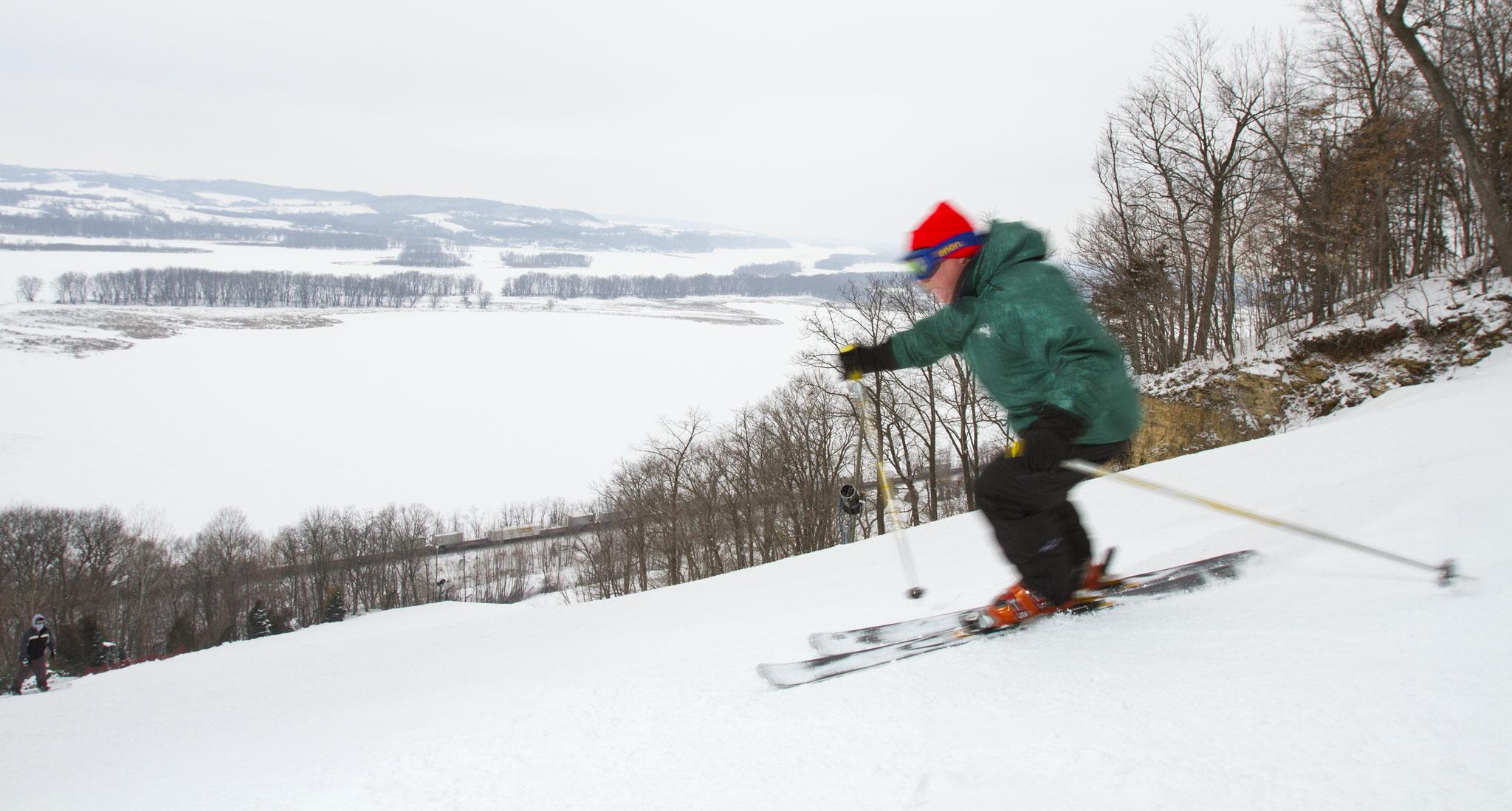 downhill skiing in illinois