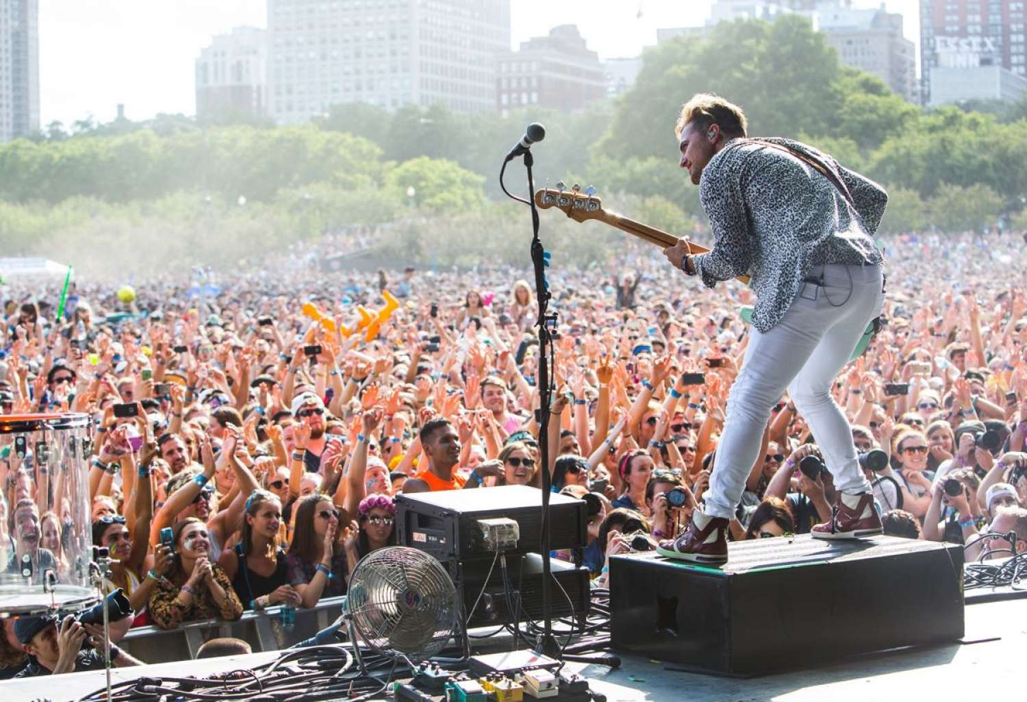The Epitome Of America S Music Festivals Chicago Lollapalooza Packs 100 000 Fans A Day Into Skyser
