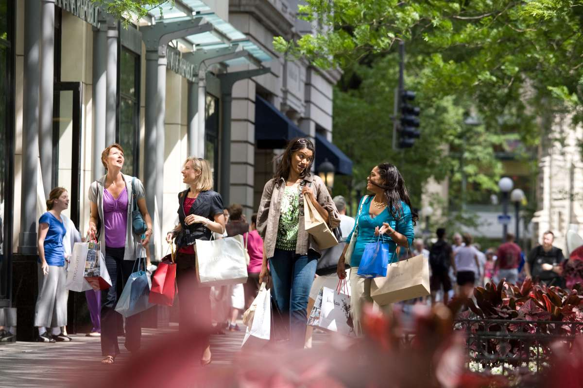 Illinois Shopping Trip Itinerary