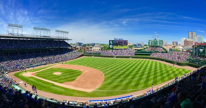 Wrigley Field by @stevegogreen